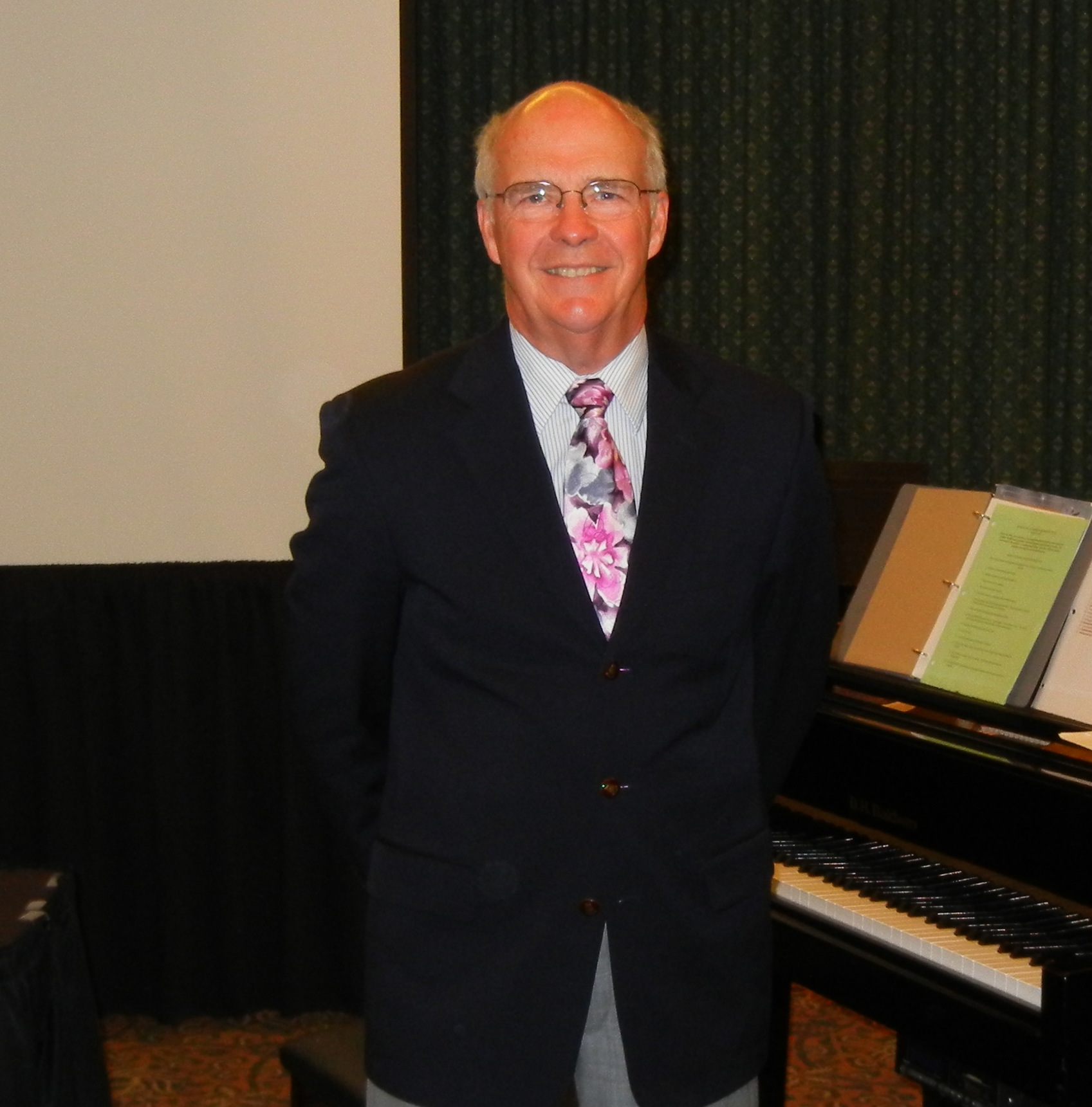 Robert Vandall presents a workshop at the 2012 Convention.